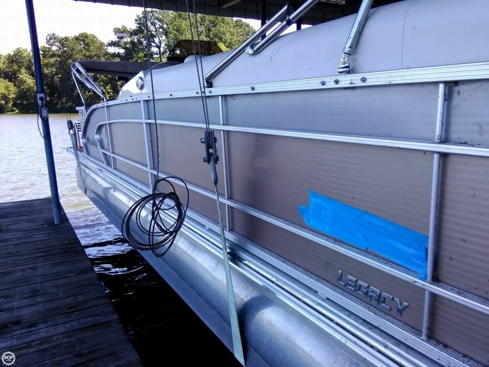 2013 Manitou boat for sale, model of the boat is MB 25 SHP & Image # 39 of 40