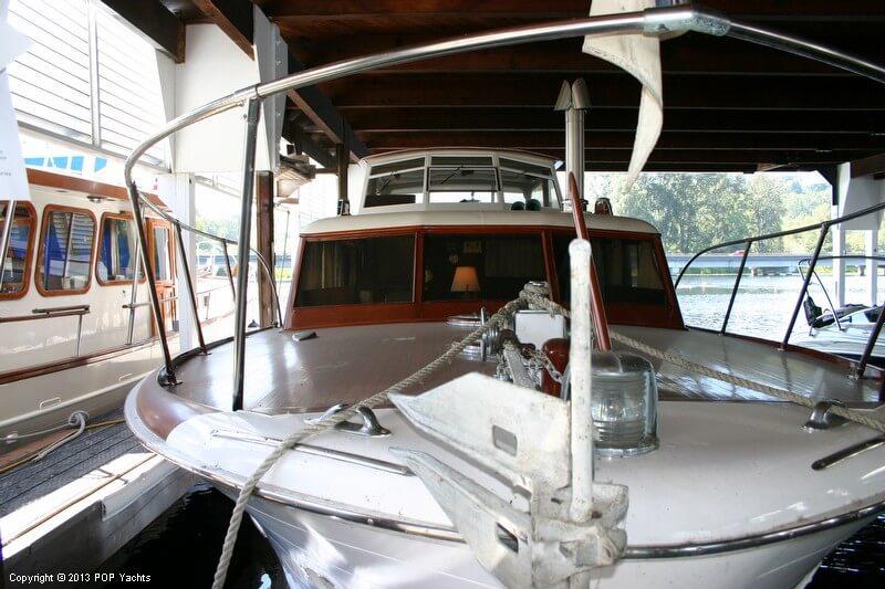 1949 Chris-Craft 46 Double Cabin Flybridge - Photo #6