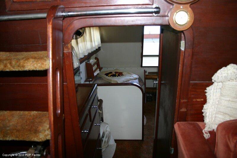 1949 Chris-Craft 46 Double Cabin Flybridge - Photo #23
