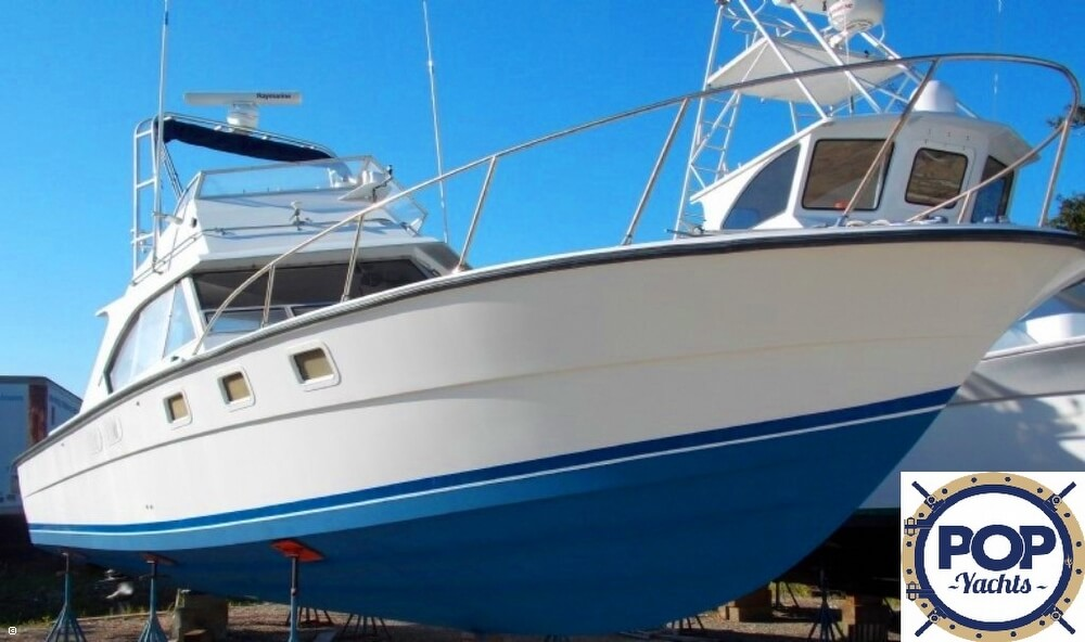 Magnum Marine 380 Flybridge SF, 38', for sale - $49,995