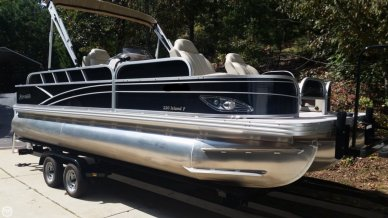 Silver Wave 220 ISLAND F, 22', for sale - $37,500