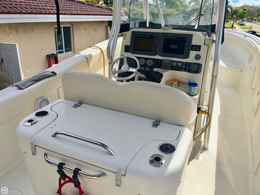 2006 Hydra-Sports boat for sale, model of the boat is 2900 CC Vector & Image # 3 of 40
