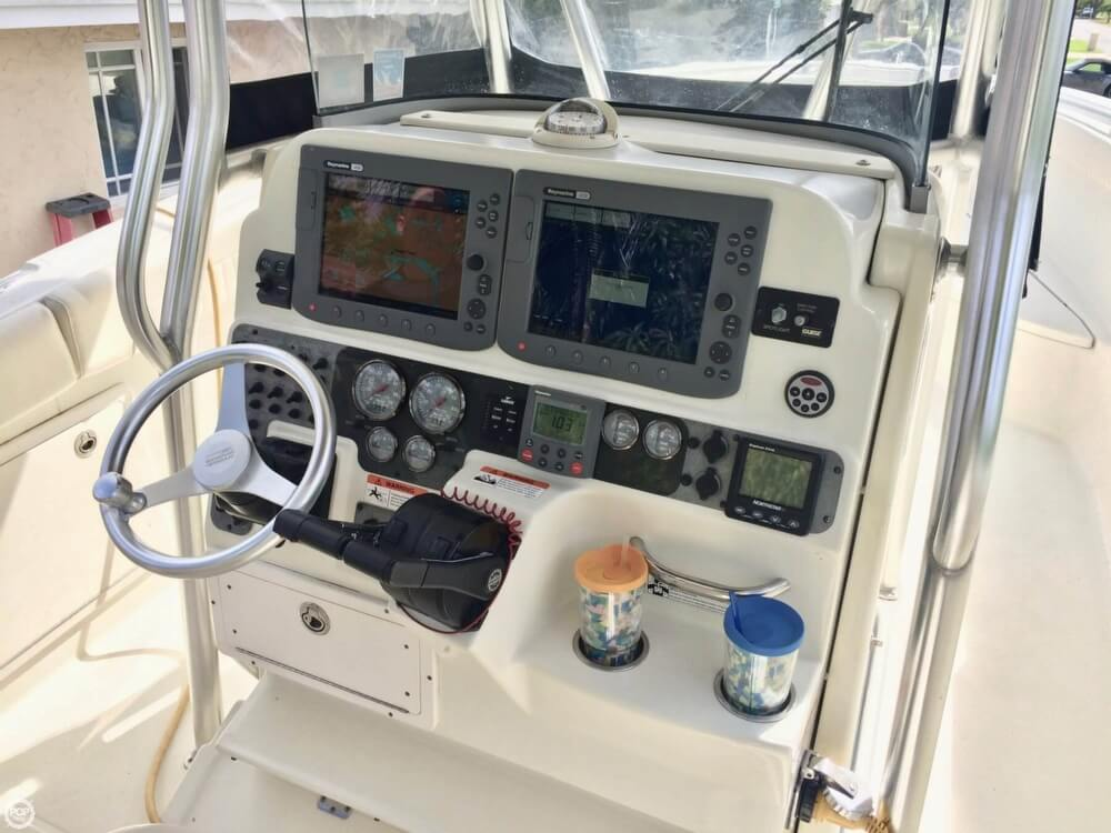 2006 Hydra-Sports boat for sale, model of the boat is 2900 CC Vector & Image # 4 of 40