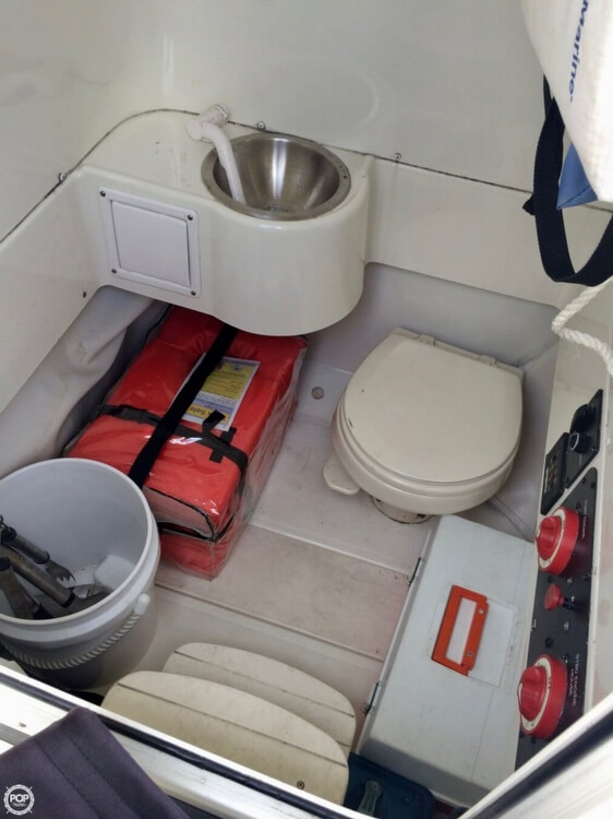 2006 Hydra-Sports boat for sale, model of the boat is 2900 CC Vector & Image # 8 of 40