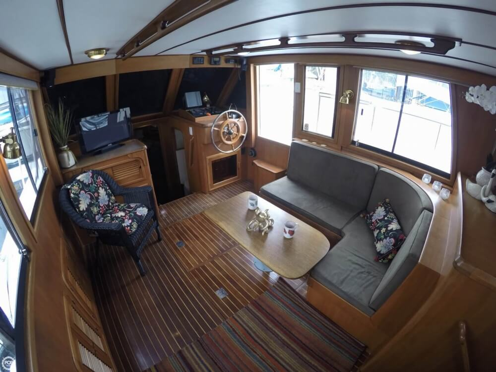 1999 Heritage boat for sale, model of the boat is East 36 Sundeck & Image # 13 of 40