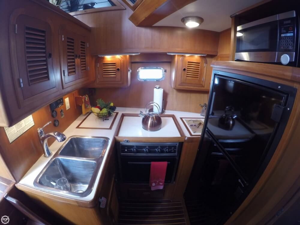 1999 Heritage boat for sale, model of the boat is East 36 Sundeck & Image # 19 of 40