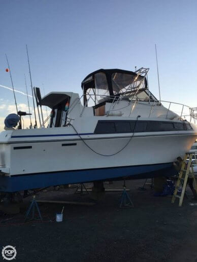 Carver 32, 35', for sale - $26,000