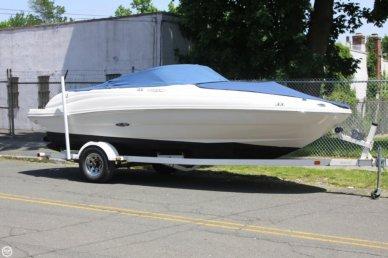 Sea Ray 200 Sundeck, 21', for sale - $22,500