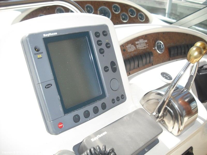 1999 Sea Ray 340 Sundancer - Photo #24