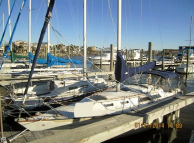 Islander 32 MK II, 31', for sale - $22,500