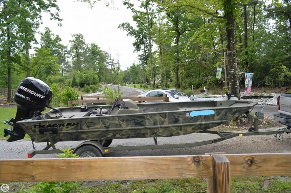 2014 Tracker Boats boat for sale, model of the boat is 1754 Grizzly & Image # 4 of 39