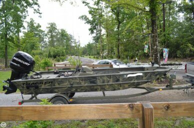 Tracker 1754 Grizzly, 17', for sale - $16,000