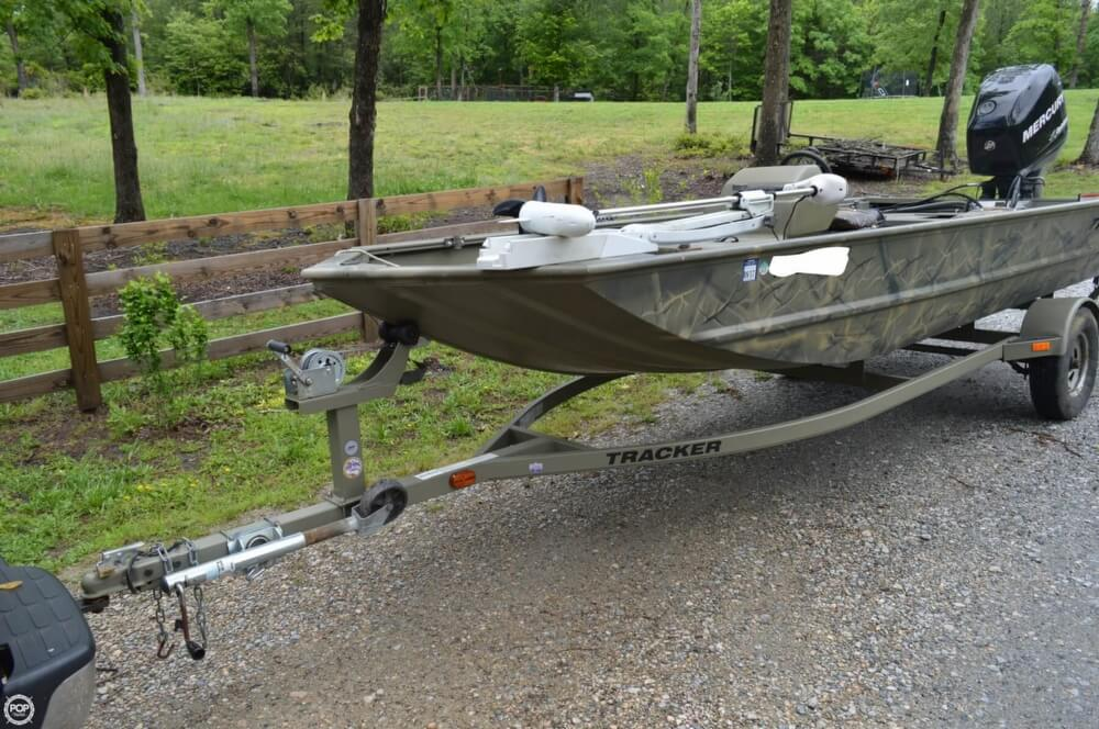2014 Tracker Boats boat for sale, model of the boat is 1754 Grizzly & Image # 2 of 39