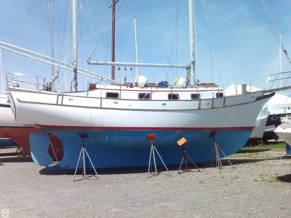 1982 Island Trader boat for sale, model of the boat is 38 Ketch & Image # 6 of 40