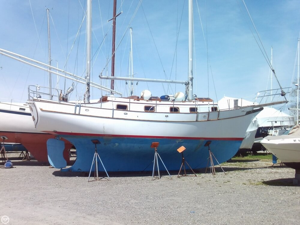 1982 Island Trader boat for sale, model of the boat is 38 Ketch & Image # 5 of 40