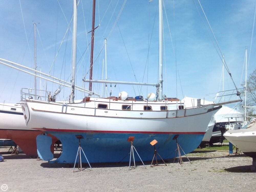 1982 Island Trader boat for sale, model of the boat is 38 Ketch & Image # 2 of 40