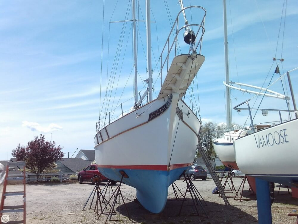 1982 Island Trader boat for sale, model of the boat is 38 Ketch & Image # 3 of 40