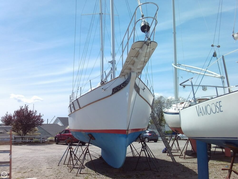 1982 Island Trader boat for sale, model of the boat is 38 Ketch & Image # 9 of 40