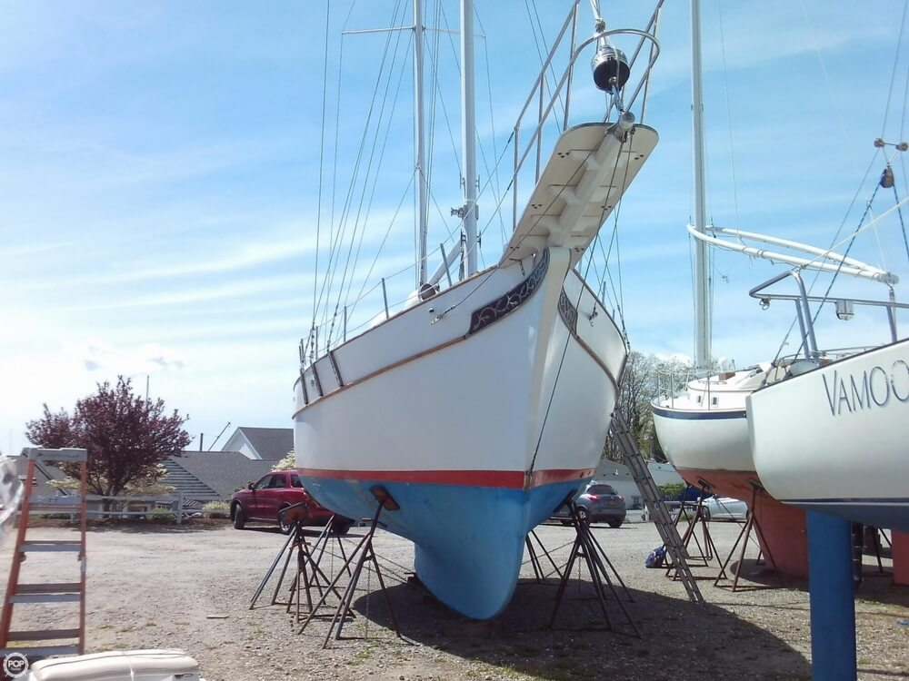 1982 Island Trader boat for sale, model of the boat is 38 Ketch & Image # 12 of 40