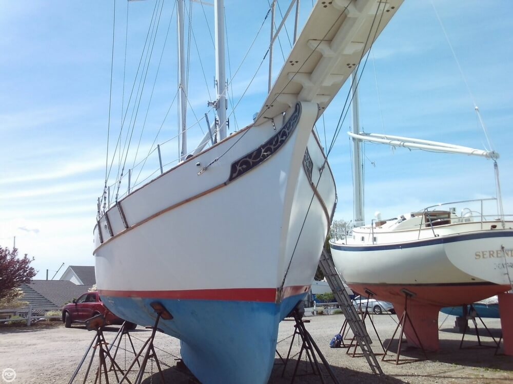 1982 Island Trader boat for sale, model of the boat is 38 Ketch & Image # 13 of 40