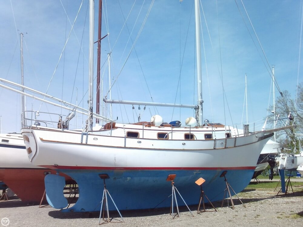 1982 Island Trader boat for sale, model of the boat is 38 Ketch & Image # 21 of 40