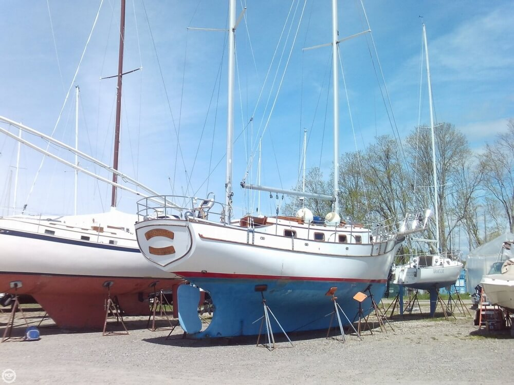 1982 Island Trader boat for sale, model of the boat is 38 Ketch & Image # 23 of 40