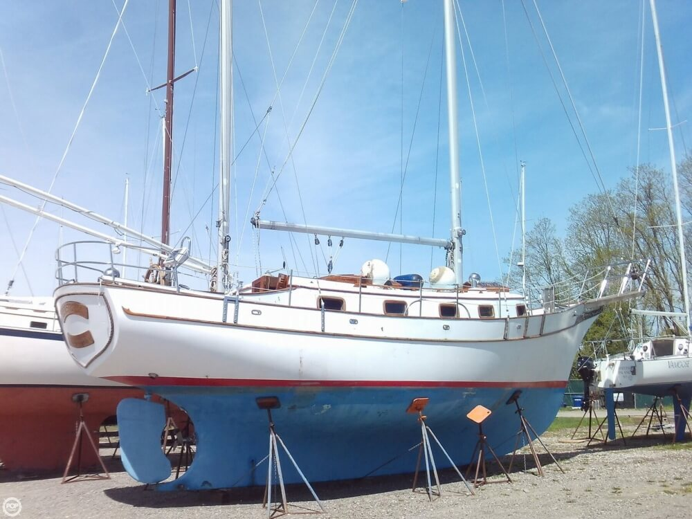 1982 Island Trader boat for sale, model of the boat is 38 Ketch & Image # 24 of 40