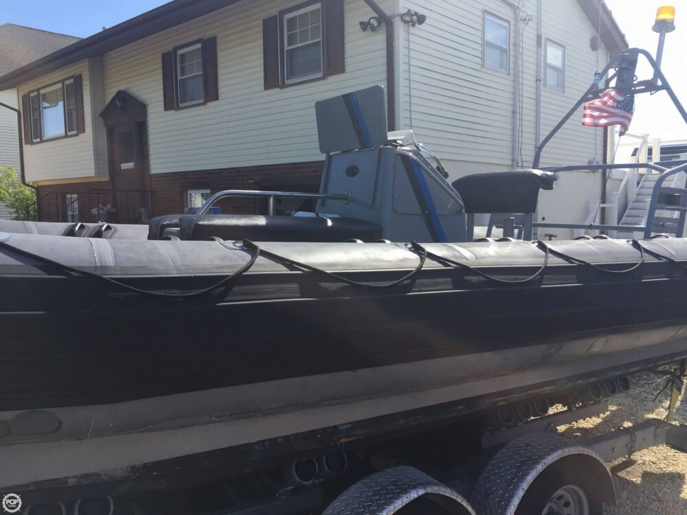 1986 Avon boat for sale, model of the boat is 25 RIB & Image # 7 of 40