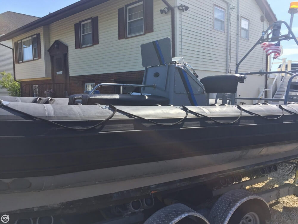 1986 Avon boat for sale, model of the boat is 25 RIB & Image # 8 of 40