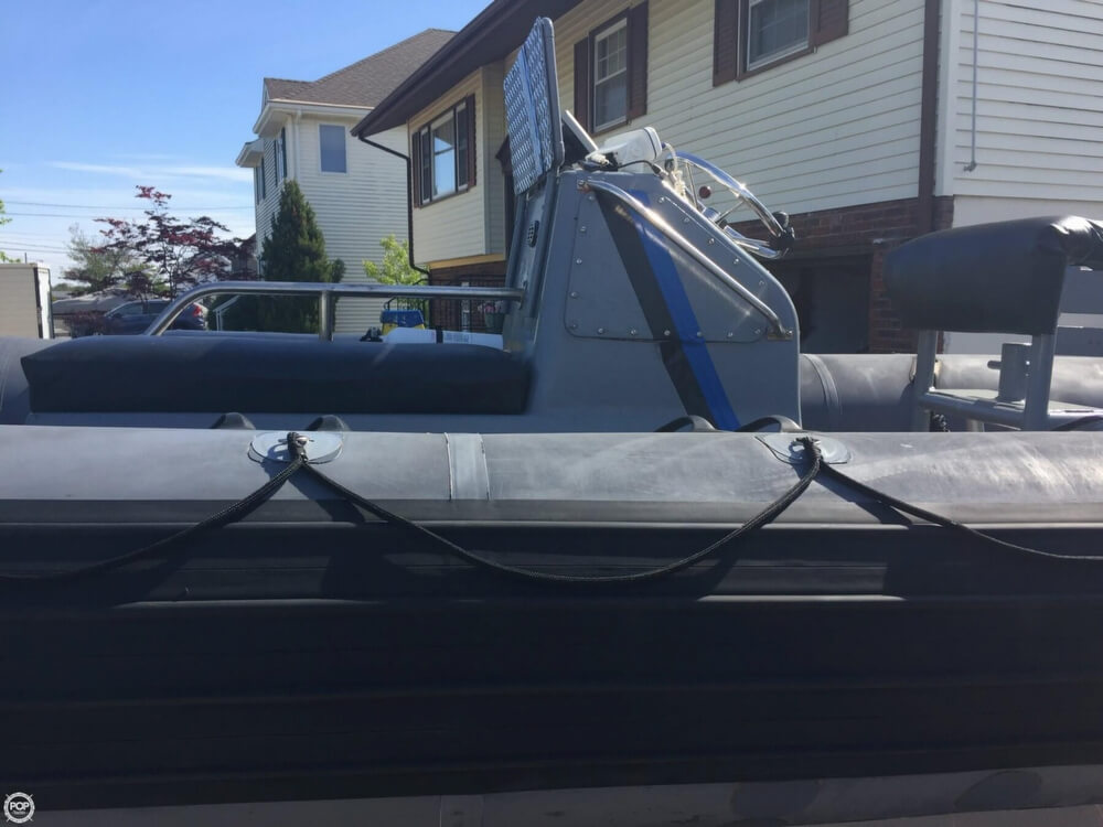 1986 Avon boat for sale, model of the boat is 25 RIB & Image # 10 of 40
