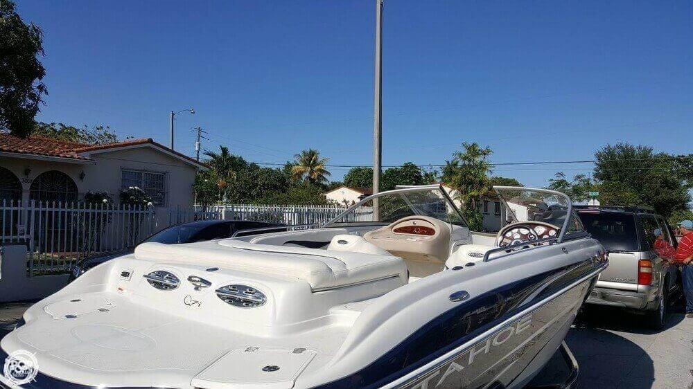 sold tahoe q7i boat in miami fl 128423 rh popyachts com Tahoe Q7 Replacement Carpet 2001 Tahoe Q7 Boat