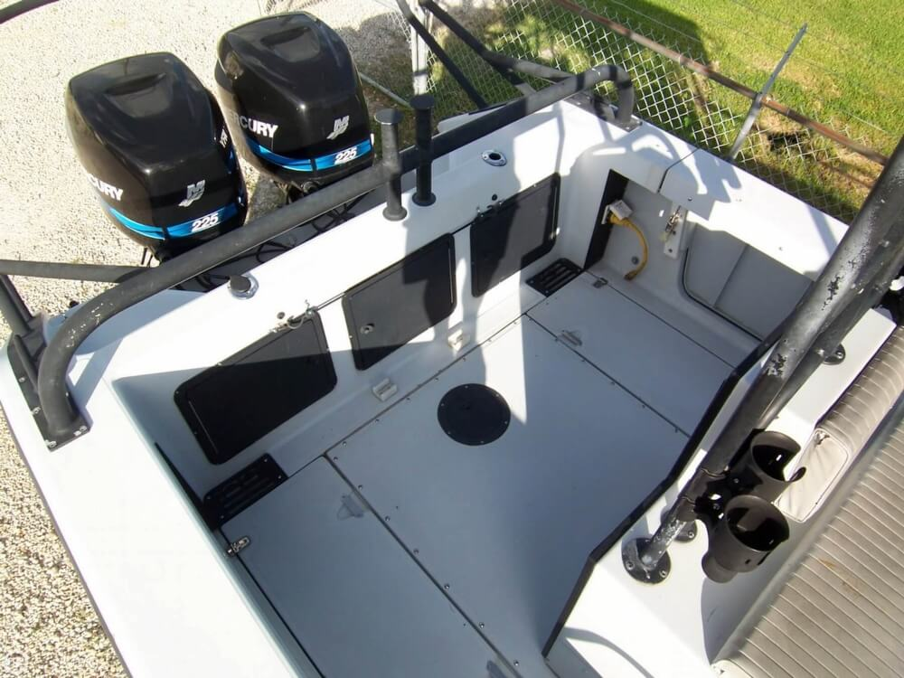 2000 Boston Whaler boat for sale, model of the boat is 26 Outrage - Justice Edition & Image # 7 of 40