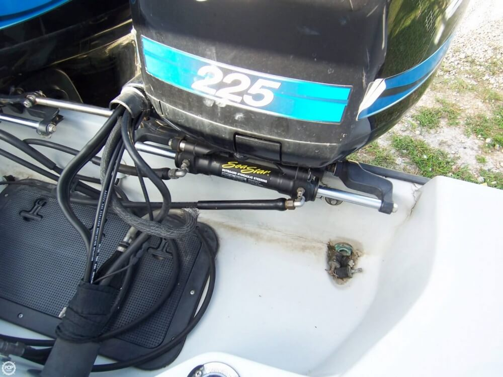 2000 Boston Whaler boat for sale, model of the boat is 26 Outrage - Justice Edition & Image # 20 of 40