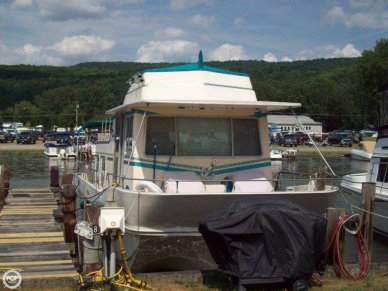 Holiday 39, 39', for sale - $22,500