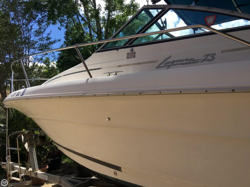 1990 Sea Ray boat for sale, model of the boat is Laguana 23 & Image # 10 of 41