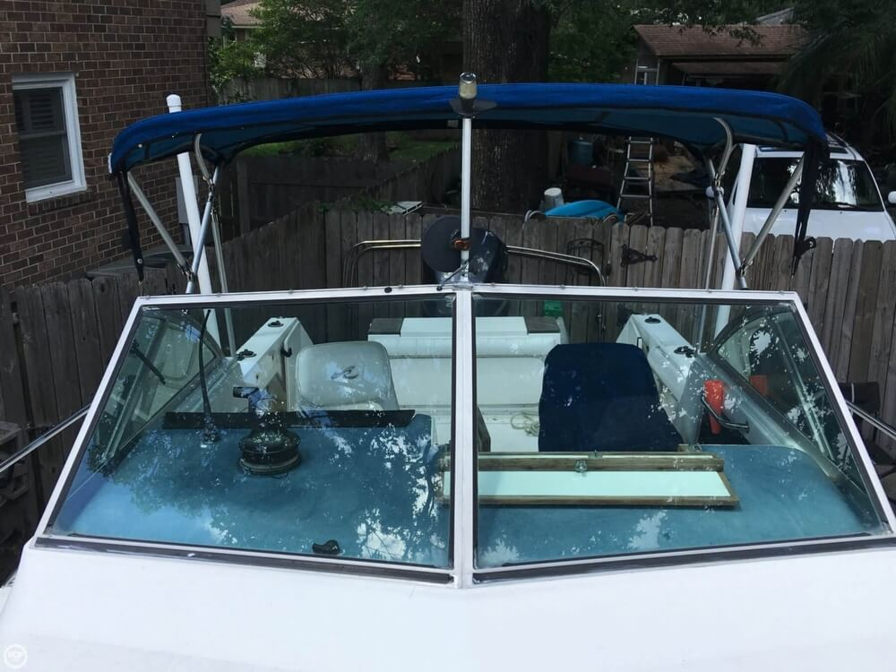 1990 Sea Ray boat for sale, model of the boat is Laguana 23 & Image # 27 of 41