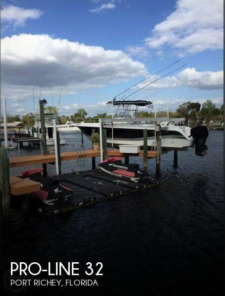 Used Pro-Line Boats For Sale in Florida by owner | 2005 Pro-Line 32