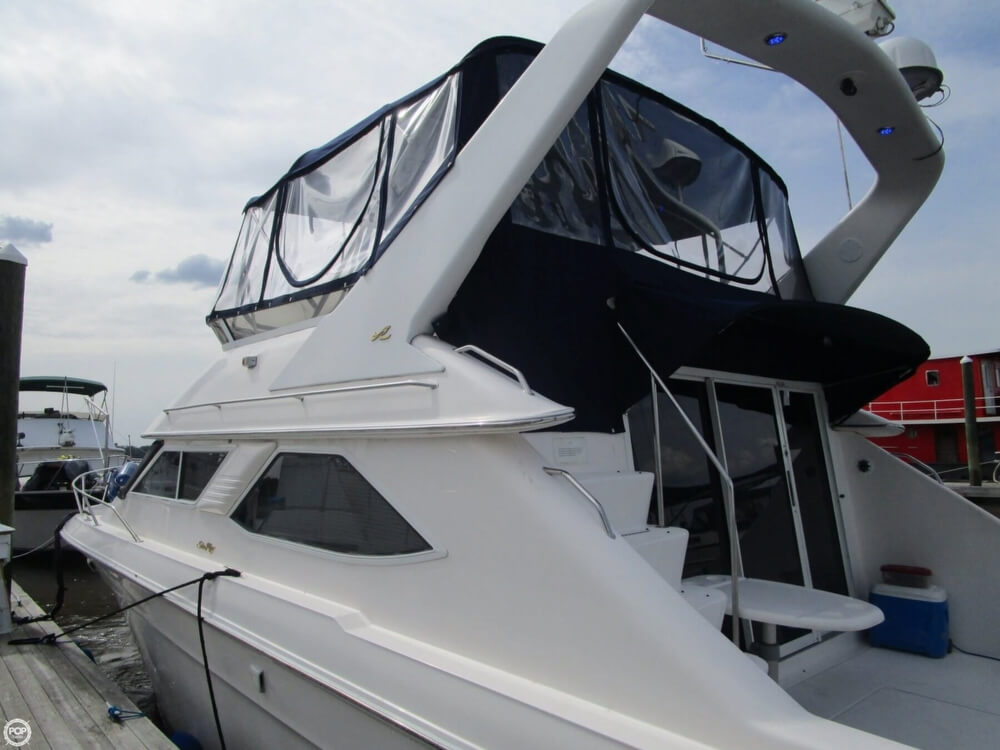1996 Sea Ray boat for sale, model of the boat is 440 Express Bridge & Image # 34 of 40