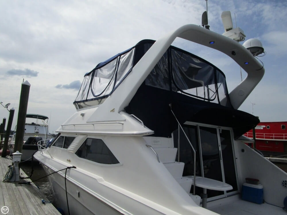 1996 Sea Ray boat for sale, model of the boat is 440 Express Bridge & Image # 35 of 40