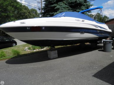 Sea Ray 220 Sundeck, 22', for sale - $12,500
