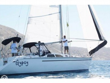 Hunter 35, 35', for sale - $47,300