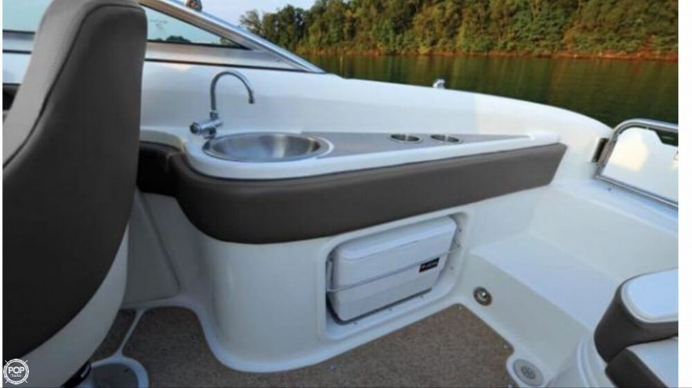 2011 Sea Ray 24 - image 6