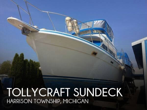 Used Boats For Sale in Saginaw, Michigan by owner | 1990 Tollycraft 39