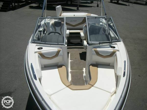 2014 Larson boat for sale, model of the boat is 205 LX & Image # 5 of 9