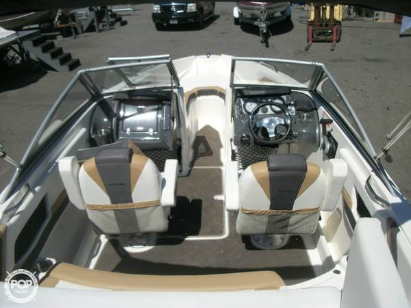 2014 Larson boat for sale, model of the boat is 205 LX & Image # 4 of 9