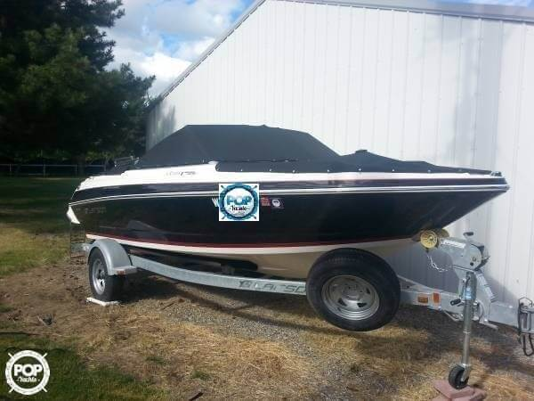 2014 Larson boat for sale, model of the boat is 205 LX & Image # 2 of 9
