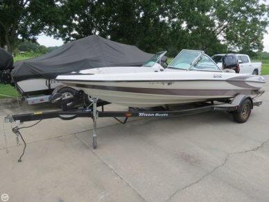 Triton 190-FS, 19', for sale - $14,900