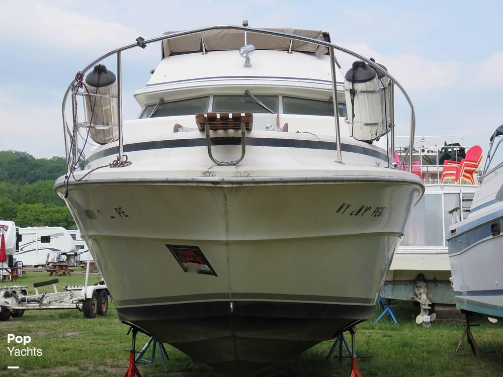 1979 Sea Ray boat for sale, model of the boat is 300 Sedan Bridge & Image # 3 of 40