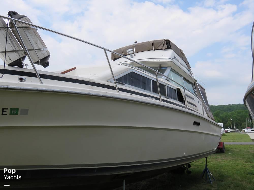 1979 Sea Ray boat for sale, model of the boat is 300 Sedan Bridge & Image # 4 of 40