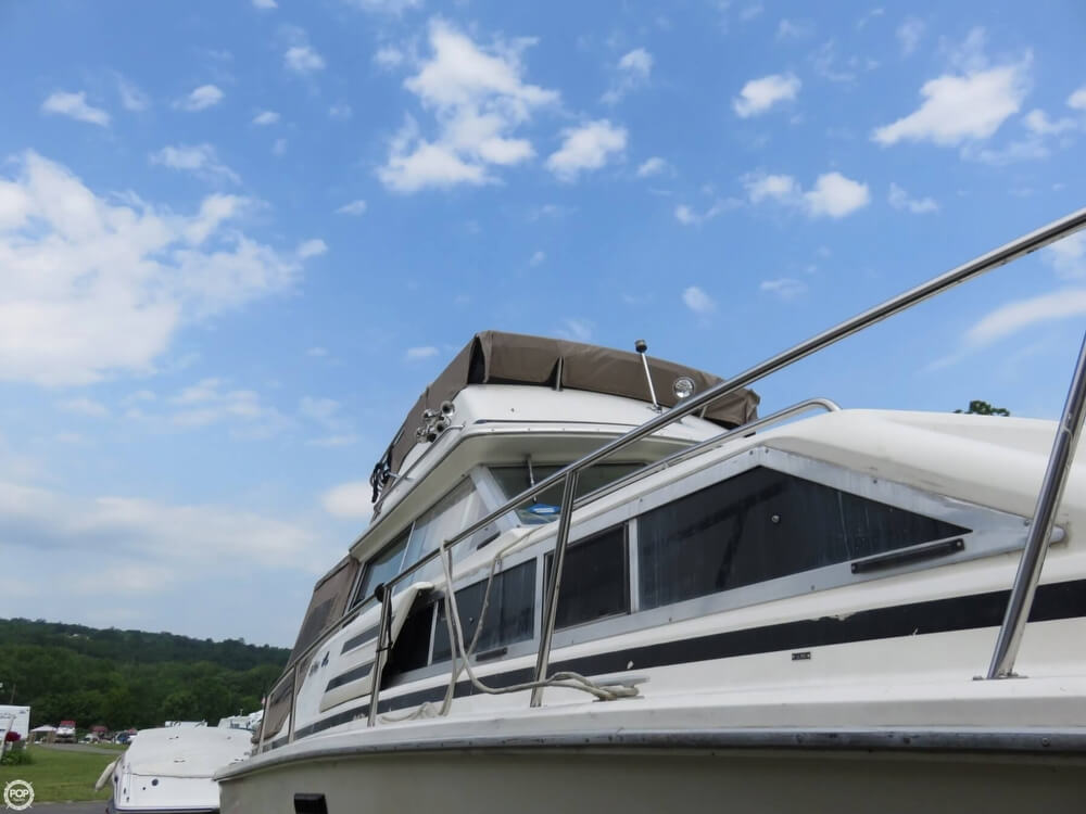 1979 Sea Ray boat for sale, model of the boat is 300 Sedan Bridge & Image # 13 of 40